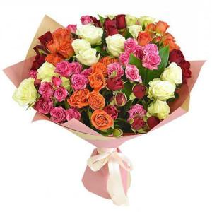 15 кустовых роз ассорти